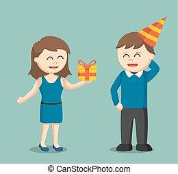 lei, dare, ragazza compleanno, presente, ragazzo