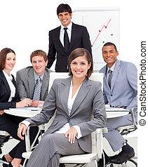 lei, squadra, femmina, seduta, esecutivo, fronte, assertivo