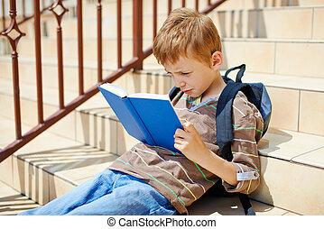 lettura ragazzo, giovane, libro