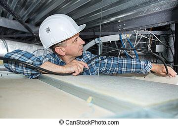 limitato, cavi, elettricista, installare, spazio