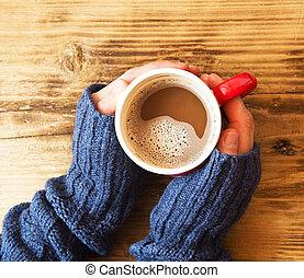 mani, riscaldare, cioccolato, tenendo tazza