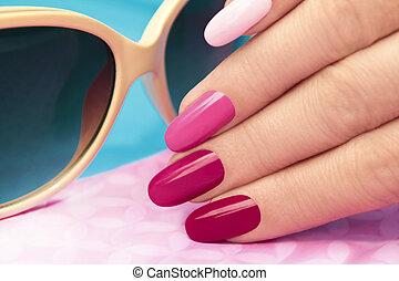 manicure., rosa