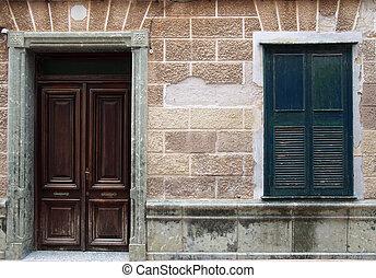 marrone, tegole, vecchio, parete legno, cornice casa, textured, pietra, scuro, sgretolamento, nero, chiuso, spagnolo, facciata, porta, otturatori