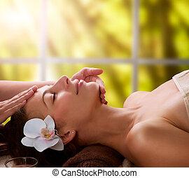 massaggio facciale, terme