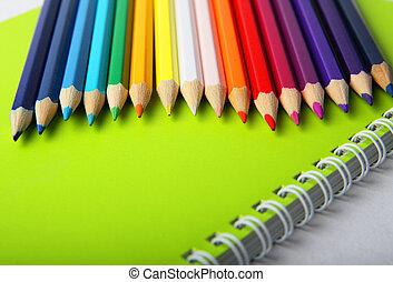 matite, multicolor, quaderno, verde, luminoso