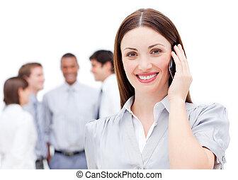 mobile, donna d'affari, telefono, sorridente, usando