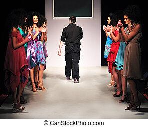 moda, giovane, progettista, palcoscenico