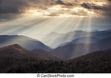 montagne blu, crepuscolare, raggi, cresta, scenico, appalachian, viaggiare, nc, destinazione, occidentale, creste, luce, nord, viale, carolina
