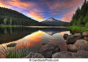 monte, tramonto, lago, cappuccio, trillium
