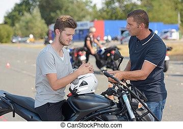 motocicletta, corso, addestramento, uomo, giovane