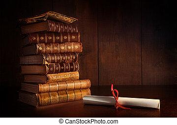 mucchio, libri, vecchio, scrivania
