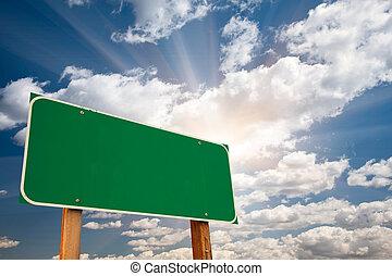 nubi, sopra, segno, verde, vuoto, sunburst, strada