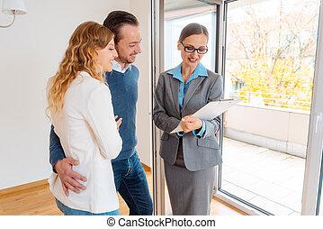 nuovo, contratto affitto, accordo, esposizione, agente immobiliare, inquilini, landlady, o