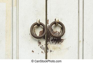 oggetto antiquariato vecchio, vendemmia, sbloccando, chiave, porta, fesso, o