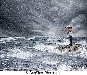ombrello, protezione, tempesta, assicurazione, sea., concetto, durante, uomo affari