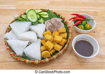 pasta, tradizionale, gastronomia, tofu, tagliatelle, gambero fritto, vietnam