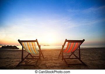 perfetto, concept., loungers, vacanza, costa, abbandonato, mare, paio, alba, spiaggia