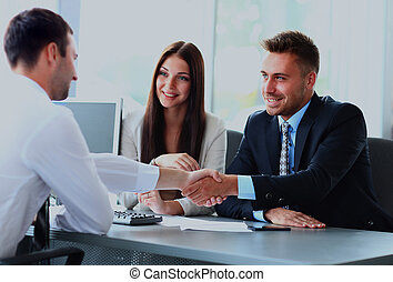 persone affari, mani, tremante, su, finitura, riunione