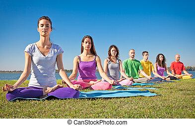 persone, giovane, possedere, yoga, gruppo, class., meditazione