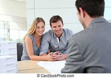 pianificatore, reale-proprietà, coppia, agenzia, parlare, costruzione