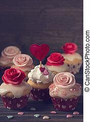 piccolo, rose, cupcakes