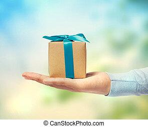 piccolo, scatola, regalo, mano