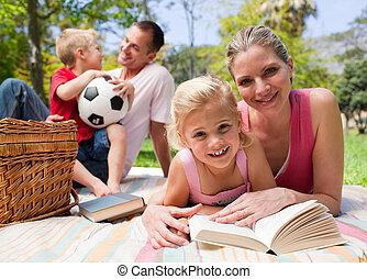 picnic, godere, famiglia felice, giovane
