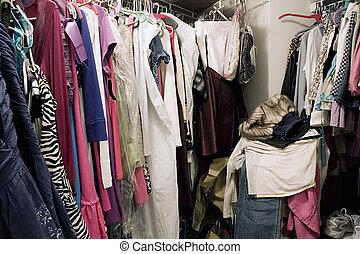 pieno, bugigattolo, unorganized, appendere, disordinato, vestiti