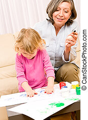 poco, gioco, nonna, vernice, handprints, ragazza