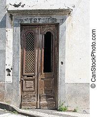 porta, pannelli, griglia, mancante, ornare, vecchio, intagliato, casa, elegante, legno, alterato, abbandonato, marrone, bianco