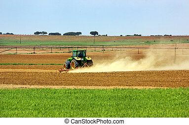 portoghese, field., trattore