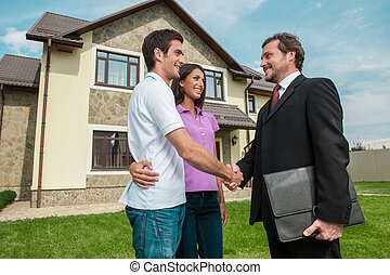 prato, owners., affare, commesso, coppia, stretta di mano, giovane, esterno, mani, proprietà, tremante