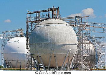 raffineria, serbatoi di stoccaggio