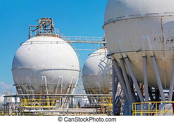 raffineria, serbatoi