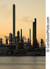 raffineria, tramonto, olio