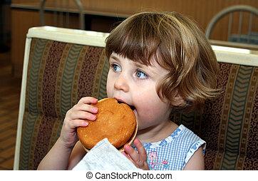 ragazza, hamburger