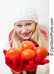 ragazza, succoso, arance, presa a terra