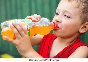 ragazzo, bere, imbottigliato, malsano, soda