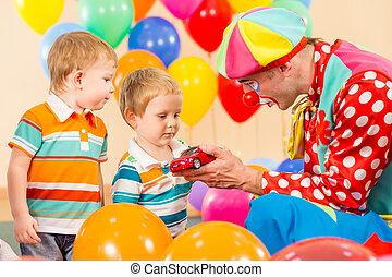 ragazzo, pagliaccio, festa compleanno, bambino, fabbricazione, presente