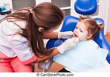 ragazzo, ufficio dentale