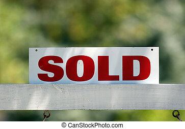 reale, venduto, proprietà