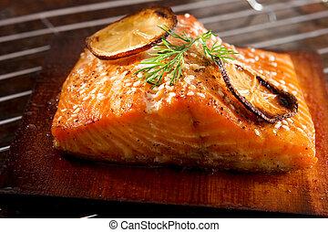 salmone munito grata