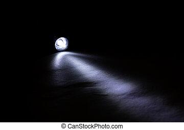 scuro, pila, luce blu