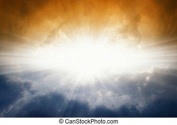 scuro, sole, cielo luminoso
