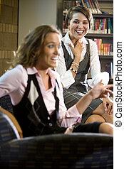 seduta, poltrona, giovane, biblioteca, carino, donne