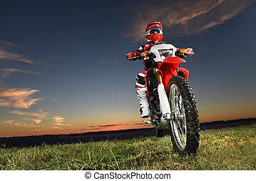 sentiero per cavalcate, byke, motocross, uomo