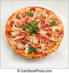 sfondo bianco, pizza