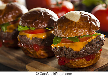 sliders, cheeseburger, casalingo, lattuga