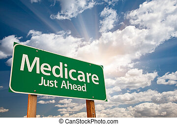 sopra, nubi, medicare, segno strada, verde
