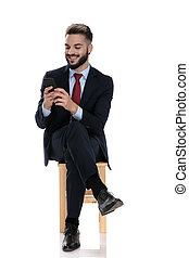 sorridente, dall'aspetto, giovane, telefono, uomo affari